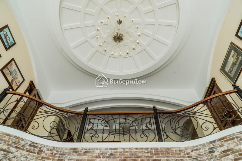 Большой, красивый и удобный дом в Бухарово, с дизайнерским ремонтом в классическом стиле