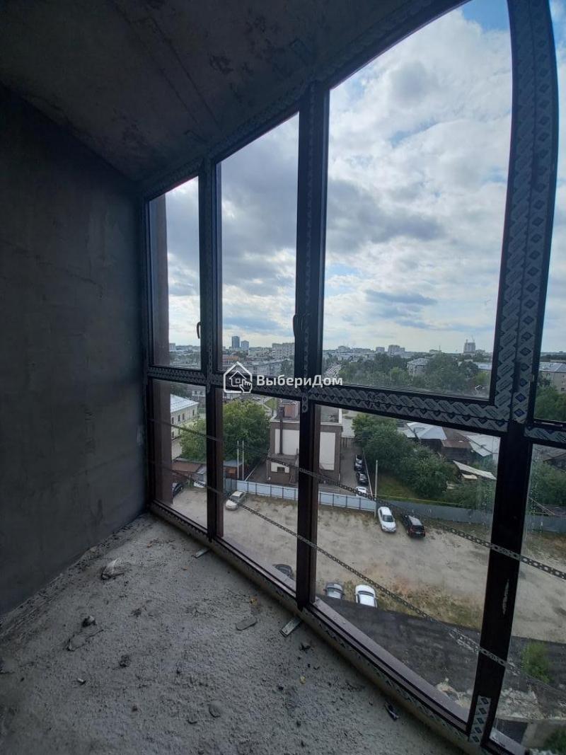 Просторная 2х комнатная квартира с хорошим видом на центр города