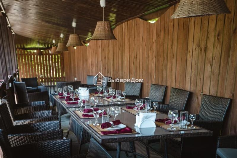Загородный ресторан с большой и уютной территорией